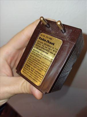 Radio Shack konverter napona 220/110 1000w