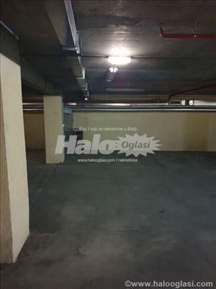 Garaza centar ( Kalenic pijaca, Novopazarska )