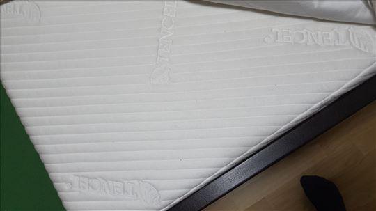 Bračni krevet sa dušekom