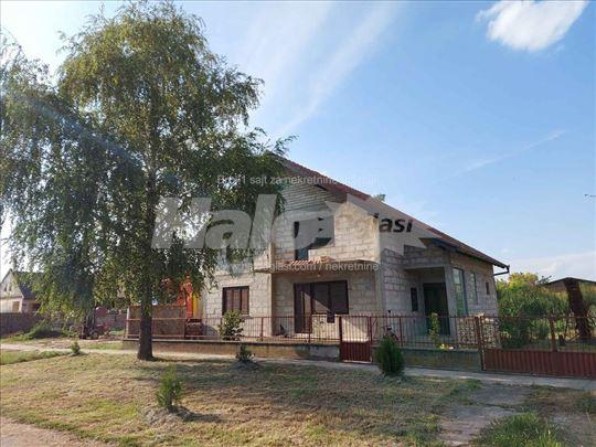 Prodaja kuće u Savinom selu