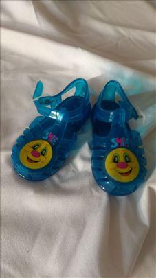 Sandale plastične broj 20