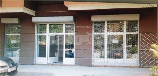 Izdavanje lokala od 67m2,ulica Rumenacka 114