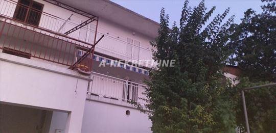 Porodična kuća na sprat, Kotor, 170m.kv. 330000eur