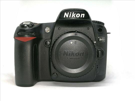 Nikon D80 telo sa 800 okidanja