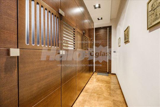 Extra LUX Kancelarijski prostor u poslovnoj zgradi