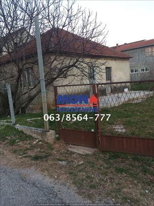 Crna Gora, Podgorica, kuća 73m2 + 4.5 ari placa