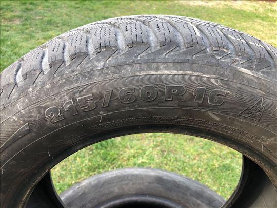 Michelin Alpina 215/60/16