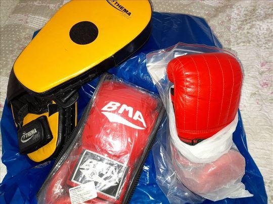 Nove boks rukavice + za dzak i fokuseri