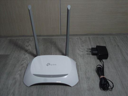 TP-Link TL-WR840N WiFi 300Mbs Ruter Access!