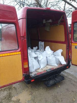 Transport gradjevinskog materijala u dzakovima