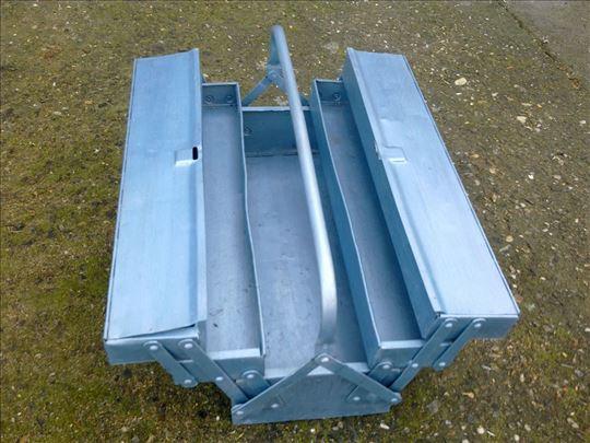 Metalna alatna kutija sa ruckom plava