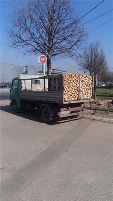 Na prodaju isecena i iscepana drva
