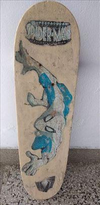 Skateboard duz.79,sir.20 cm. sa gornje strane zafa