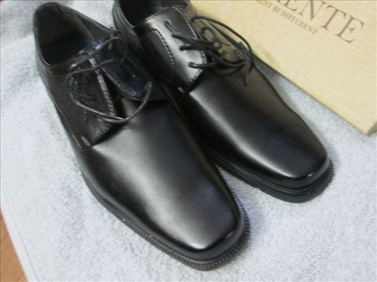 Crne , NOVE cipele DIfferente br.45