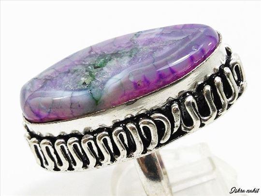MASIVAN srebrni prsten prirodan AHAT nov