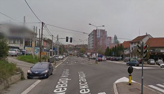 Lokal ugao Bulevara i Ustanicke