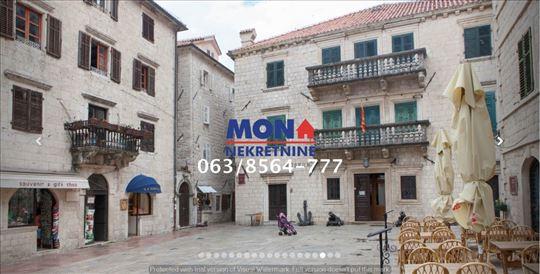 Montegro, Kotor,u srcu Starog grada,110m2,namešten