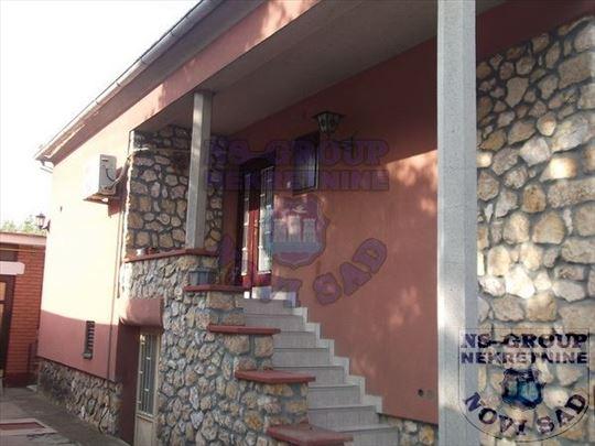 Sremski Karlovci, Centar, Kuća, 200m2