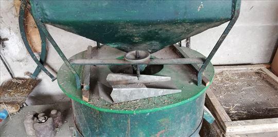 Na prodaju mlin na kamen