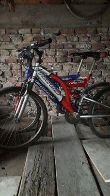 Dve bicikle na prodaju (citaj opis)