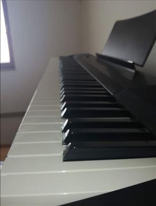 Casio električni klavir na prodaju