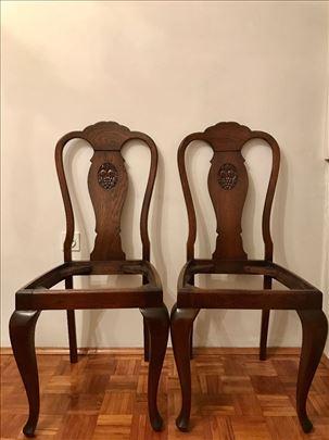2 antikvitetne stolice, puno rezbareno drvo