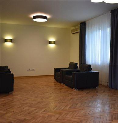 Puškinova, 210m2, duplex, renoviran, terasa 30m2