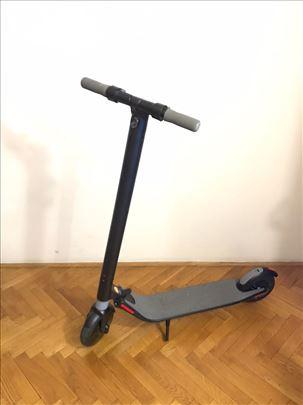 Trotinet Segway Ninebot KickScooter ES1 Dark Grey
