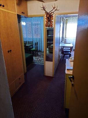 Dvosoban stan u centru za izdavanje