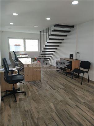 Moderan kancelarijski prostor u gradu