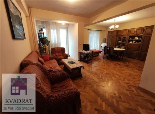 Trosoban stan 93 m², II sprat, Ub – 74 500 €