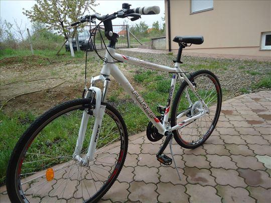 Bicikl MTB Hybrid kao nov