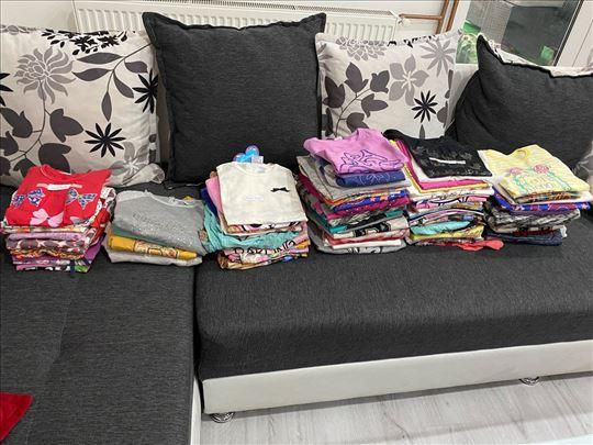 Duksevi i majice u raznim veličinama za devojčice