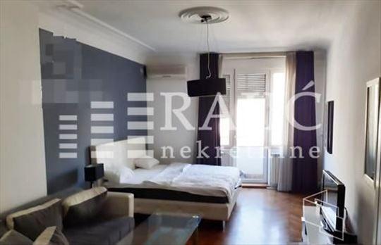 CENTAR(TRG REPUBLIKE),Makedonska 35m2,1.0+terasa-L