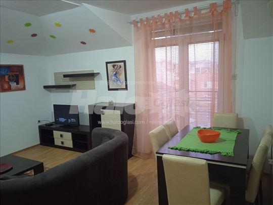 Izdajem jednosoban stan u centru Jagodine