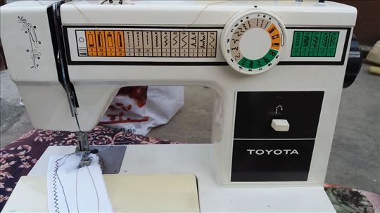 Mašina za šivenje TOYOTA