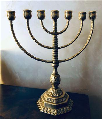 Menora veliki verski svećnjak
