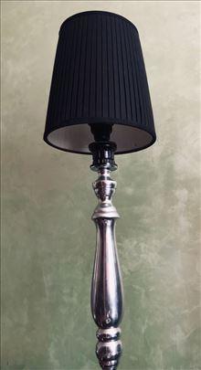 Podna lampa hromirana