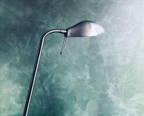 Stona metalna lampa