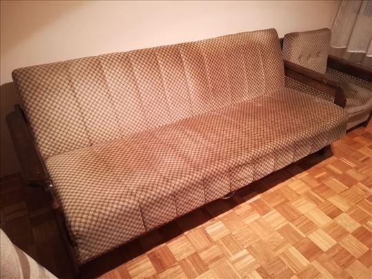 Kauč i tri fotelje