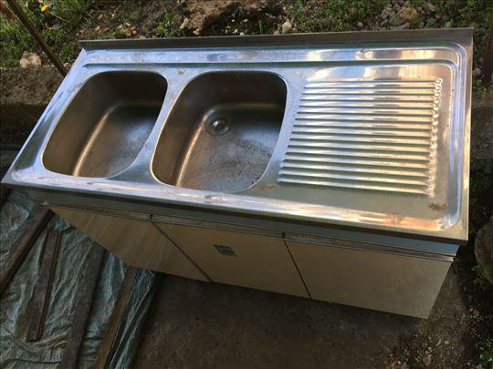 Kuhinjska dvodjelna sudopera