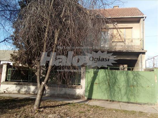 Kuća Kljajićevo 208m2 - JNA - zemlja 623