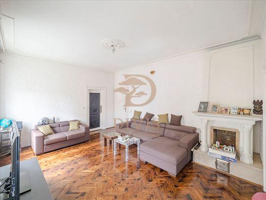 Prodajemo  salonski stan, gornji Dorćol, 108m2