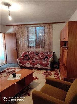 Kuća/selo RatajePlac 3ar/ Kuća, uk...