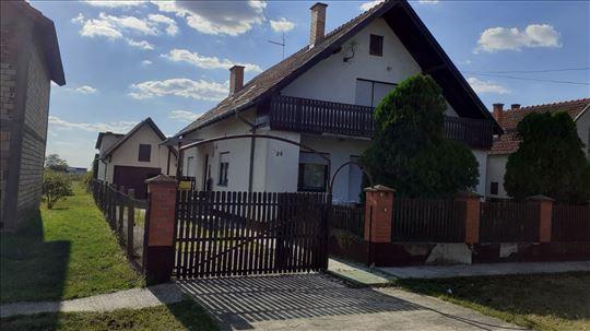 Kuća Pećinci