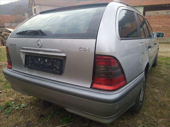 Mercedes C 220 CDI W202 delovi