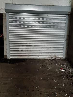 izdajem garazu u ul.Ilije Kolovica