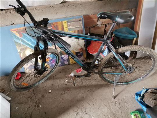 Bicikli, kao nov.