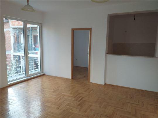 Uknjižen 2.5 stan, 54 m2, Mirijevo 3