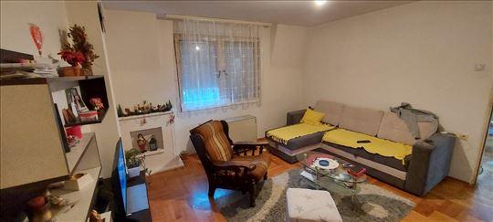 Stan u Knjaževačkoj ulici 56m2 +20m2 ostava*HITNO*